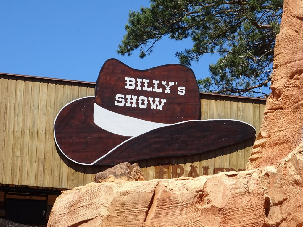 Find our friends Dolly, Billy and Jack on stage to learn a few dance steps.
