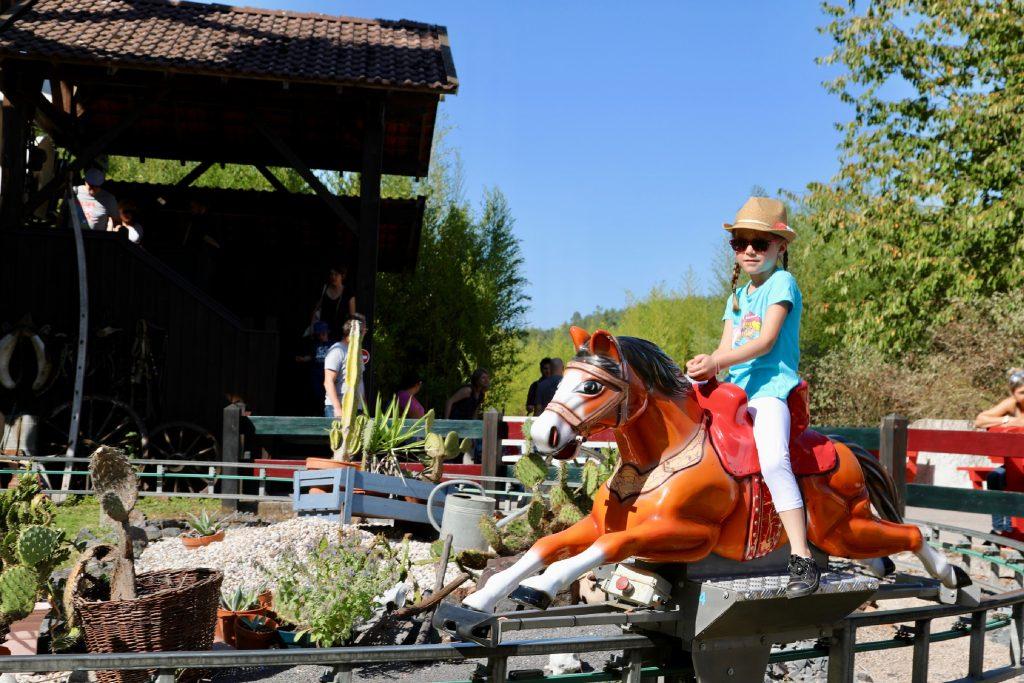 Triple gallop towards adventure!
